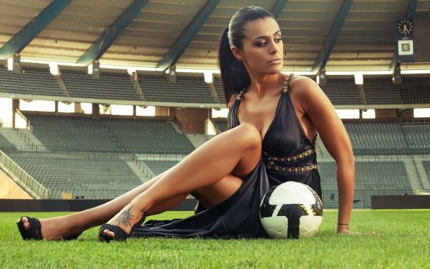 как провести девичник на футбольном поле