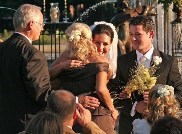 Подарок на свадьбу жениху и невесте от родителей