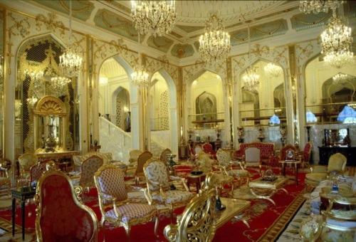 Помещение где проходило день рождение султана Брунея