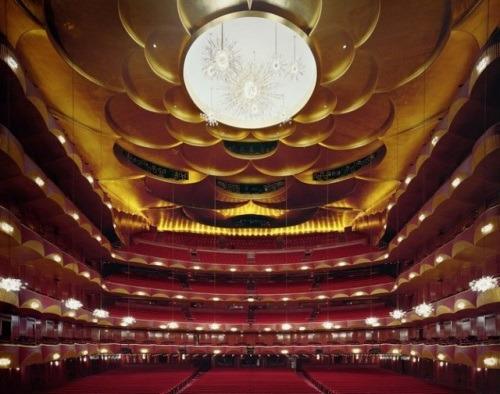 помещение для Бала в театре Metropolitan