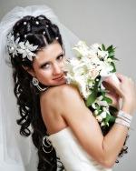 Прически с фатой на свадьбу