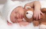 Что подарить новорожденному мальчику или новорожденной девочке