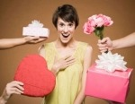 Что подарить женщине на День Рождения и что лучше не дарить