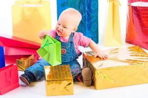 Что не следует дарить на день рождения годовалой девочке