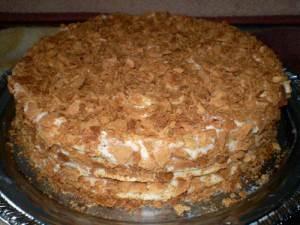 Какие ингредиенты входят в состав классического торта Наполеон
