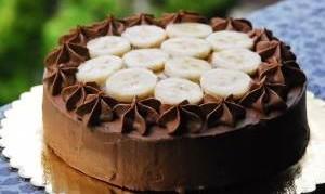 Какой рецепт с фото шоколадно-бананового торта?
