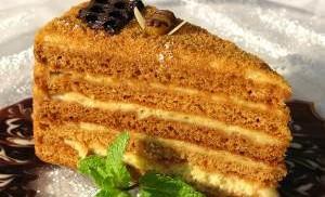 Какой рецепт медового торта?