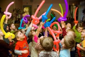 Какие есть интересные игры для детских торжеств?