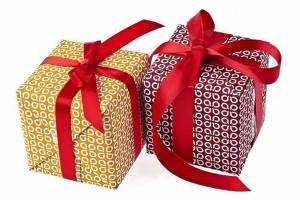 Что подарить любимой девушке?